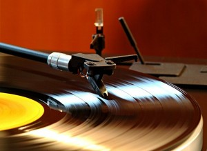 Vinyl-records.-Photo-credit-Knipsermann-CC-BY-2.0-Wikimedia-Commons