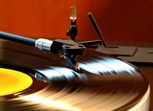 Vinyl-records.-Photo-credit-Knipsermann-CC-BY-2.0-Wikimedia-Commons